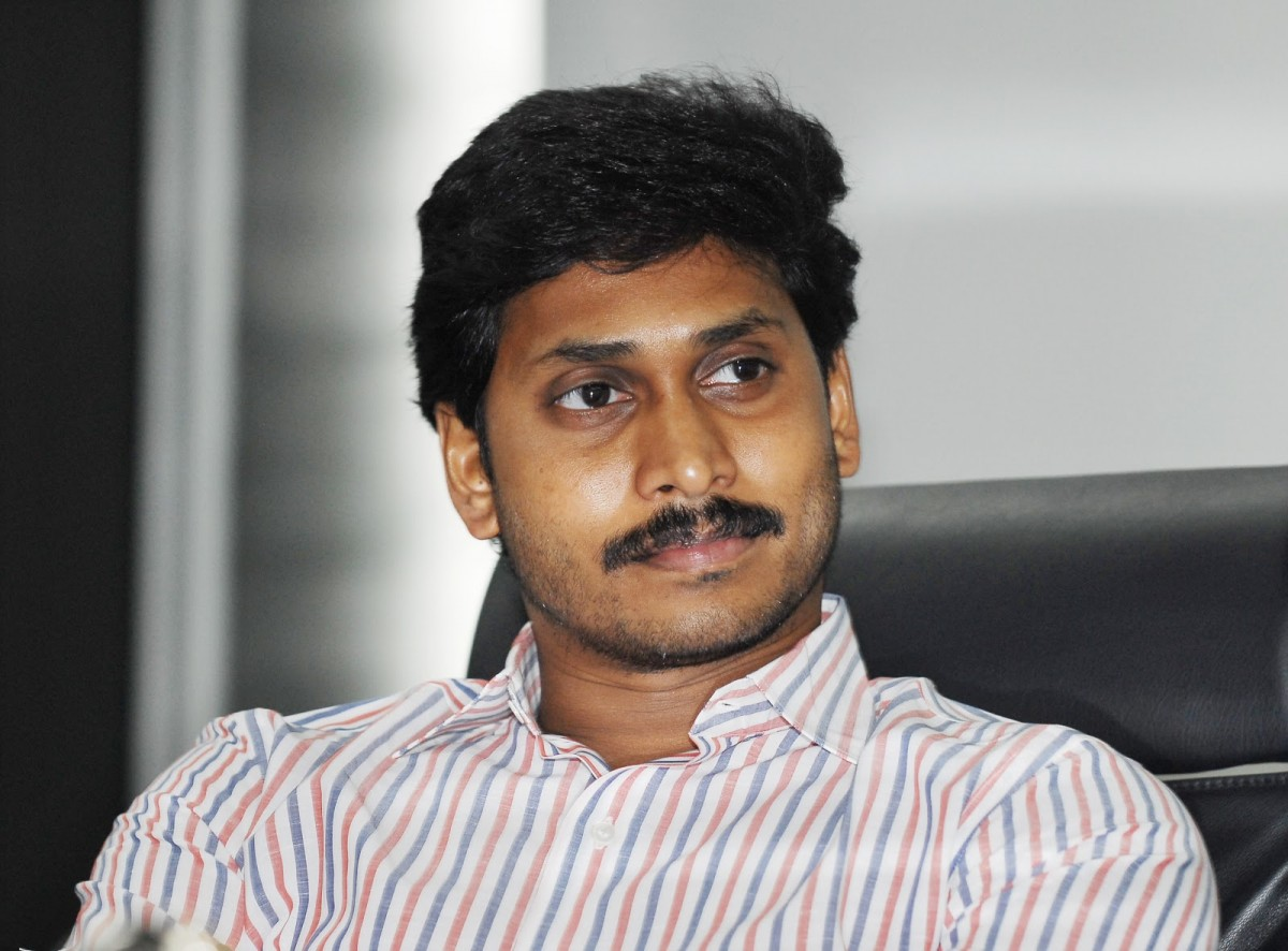 Jagan to stage dharna before parliament on Aug 10