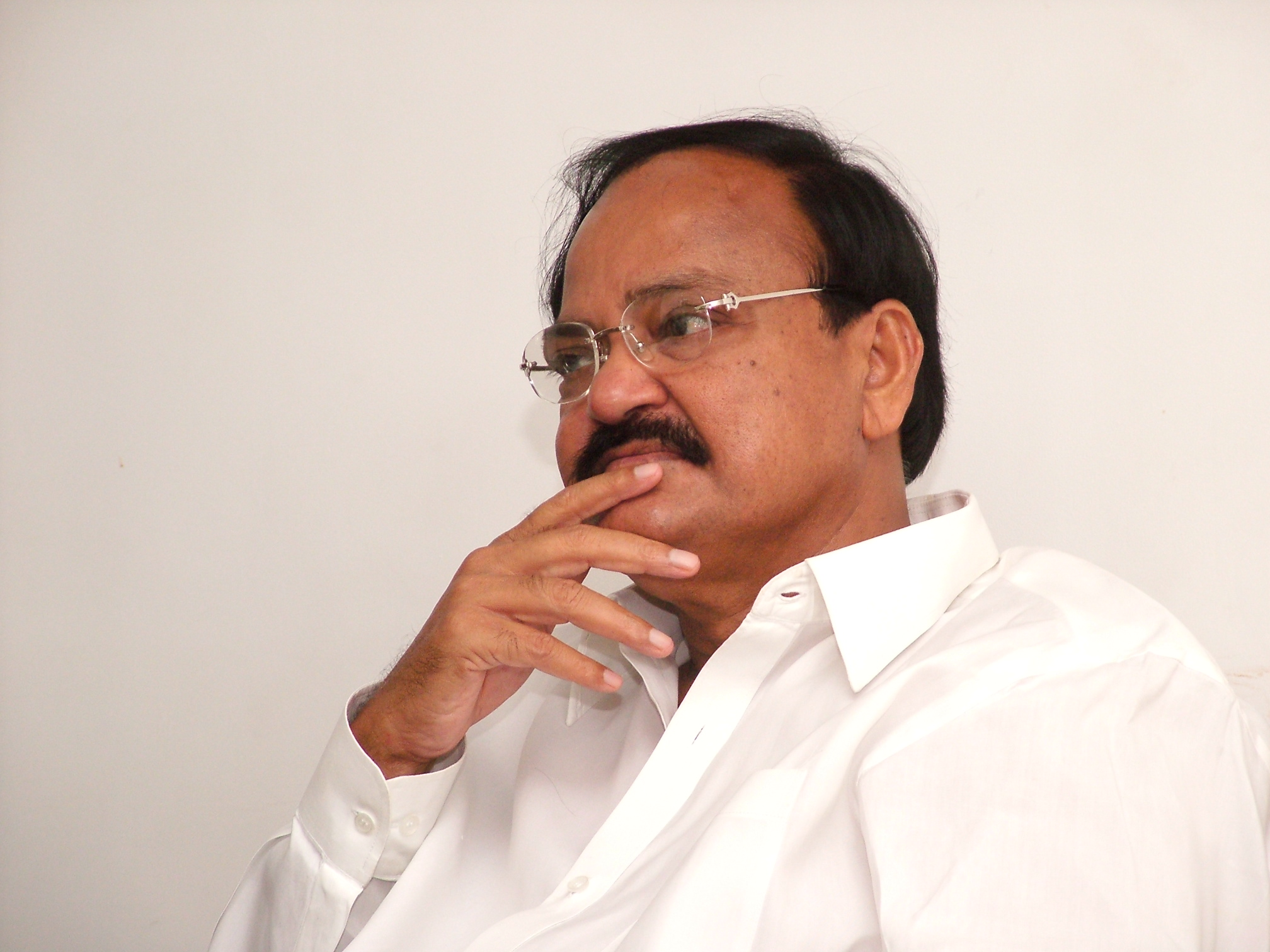 Leave Controversies to Law: Venkaiah Appeals to Telugu CMs