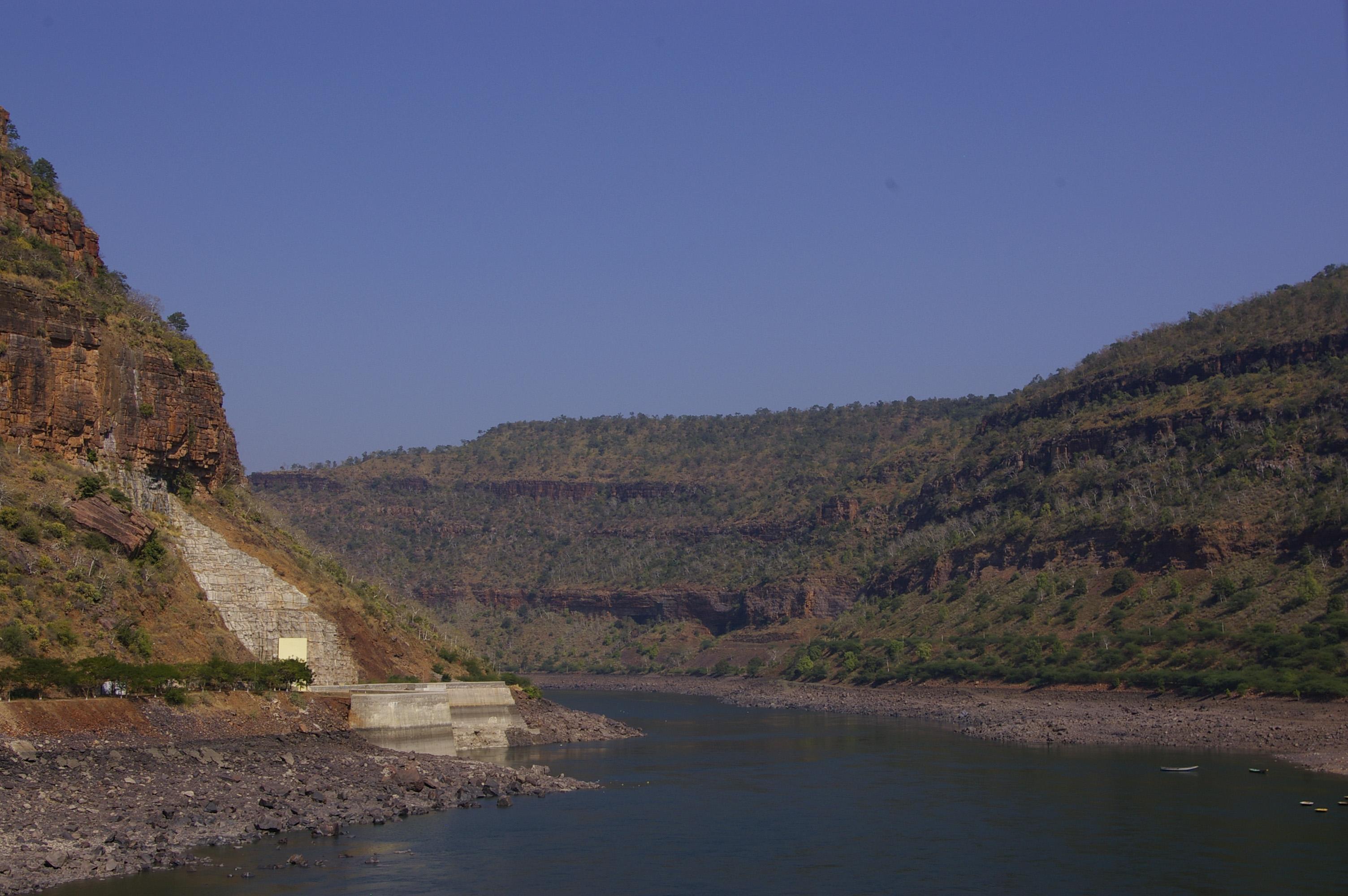 Palamuru Vs Pattiseema: Water Politics in AP and TS