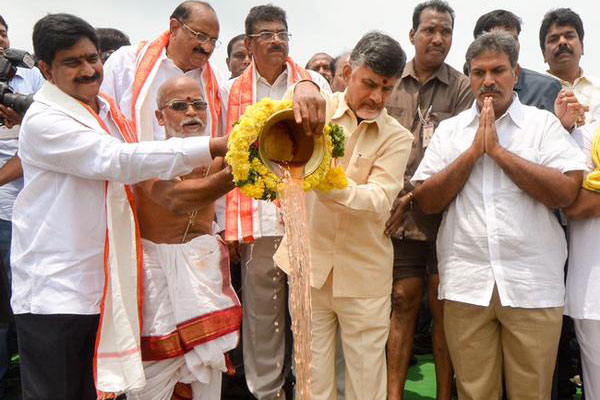 Andhra Pradesh plans pilgrimages to Pattiseema
