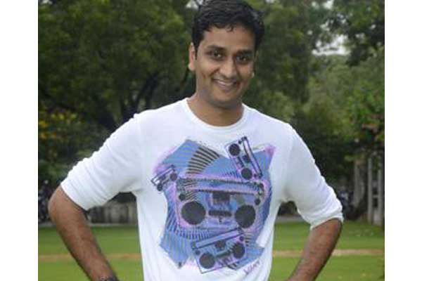 Srinivas Avasarala ropes in two young heroes for his next