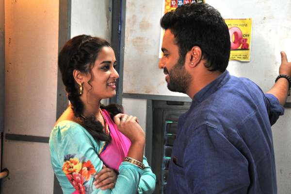 Nara Rohith – Nanditha's 'Savithri' is a Complete Family Entertainer