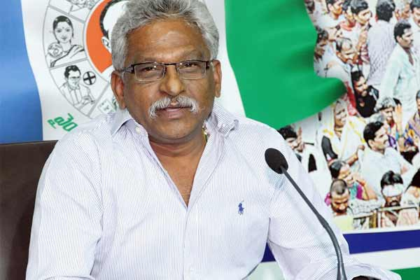 TTD chairman Subba Reddy, EO get notices