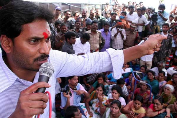Indo-Pak-like tension building up between Andhra and Telangana: Jagan