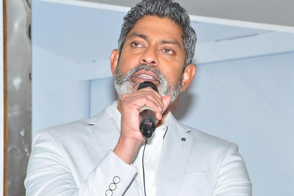 JAGAPATHY BABU SENSATIONAL COMMENTS ON INDUSTERY IN HUMAN NATURE!