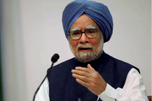 Note ban, GST 'twin blow' to economy, winds of change blowing in Gujarat: Manmohan