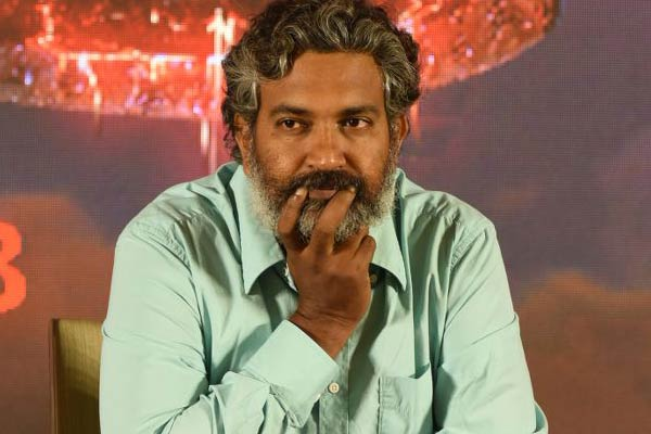 Rajamouli All Excited About 'Baahubali' In Virtual Reality
