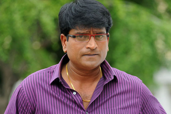 Ravi Babu planning a film with an old actor