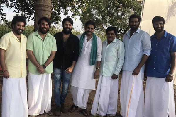 Nithiin's Click with Katamrayudu Family