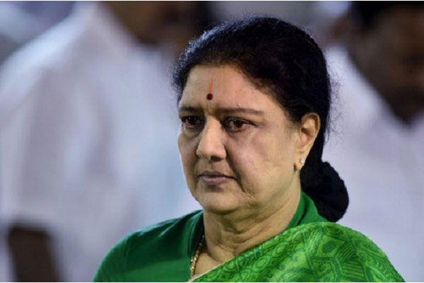 Sasikala returns to Poes Garden, to surrender today