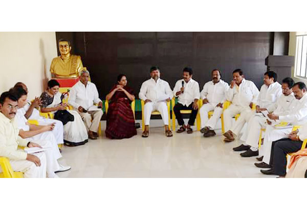 TDP leaders goes to KCR's Gajwel, flays not a single poll promise fulfilled