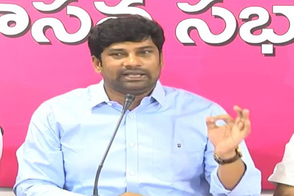 TRS MP Balka Suman to lament that Prof Kodandaram, TJAC, TRS, Telangana, TJAC Chairman's unemployed youth protest rally,