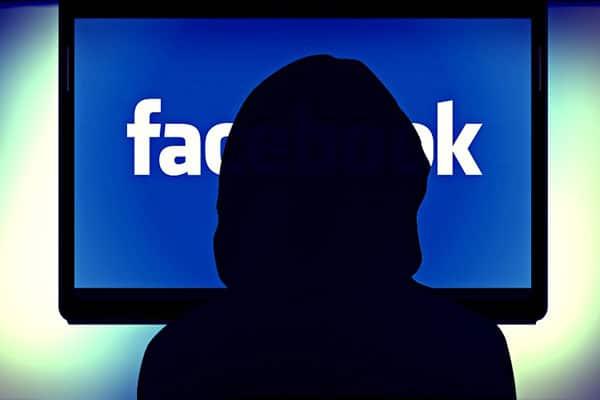 US man broadcasts killing on Facebook Live
