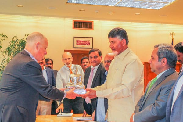 Chandrababu Naidu asks Apple's Jeff Williams to invest in Andhra Pradesh