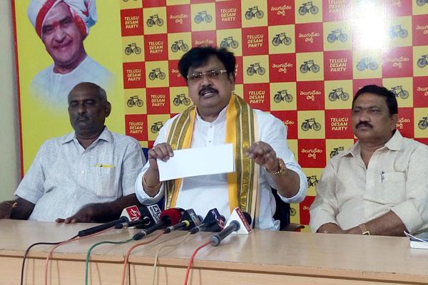 Jagan to jail, Lokesh to fame, says Varla Ramaiah