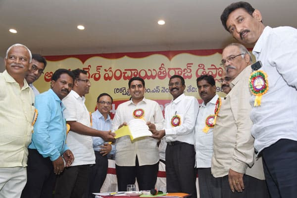 Lokesh promises to solve diploma engineers issues