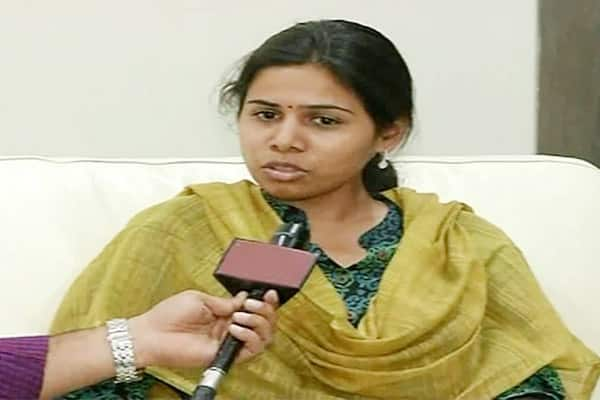 Participated in YSRCP campaign 2days after my mother died : Akhila Priya