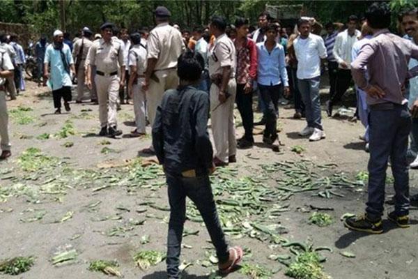 Three farmers demanding fair price killed in police firing