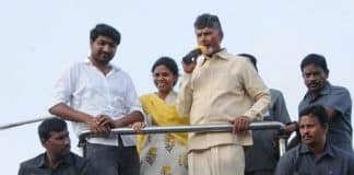 Chandrababu calls a voter Tamasha candidate for asking about power cuts