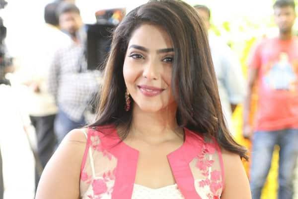 Kalyanram's Heroine to be replaced