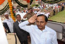 Telangana CM unfurls national flag at Golconda Fort