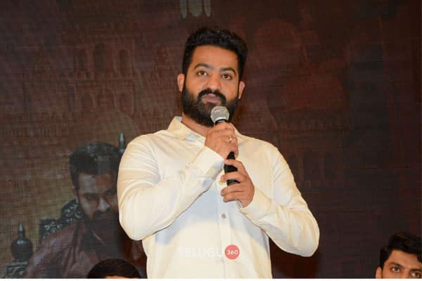 Tarak comes up with a scathing analogy aimed at reviewers