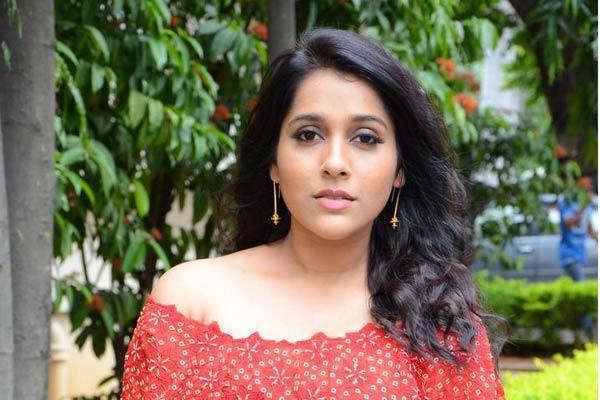 Rashmi Gautam at Next Nuvve Trailer Launch