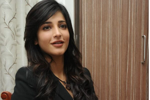 Learnt a lot while working with father: Shruti Haasan