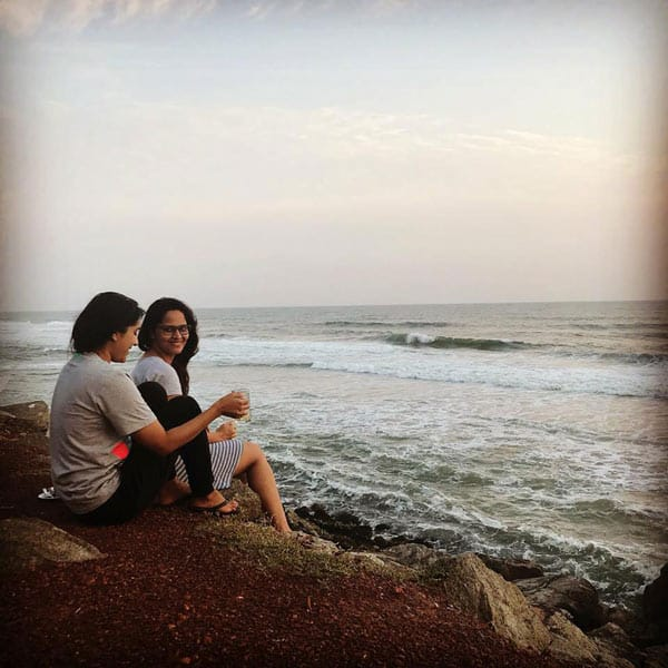 Pic Talk – Hot Anchors Bonding Time