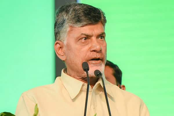 AP CM says abolish Rs 500 & Rs 2000 notes to control corruption