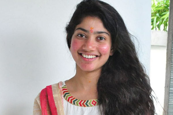 Sai Pallavi shifts focus to Kollywood