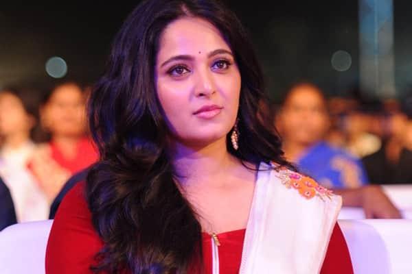 Anushka Shetty approached for Nagarjuna - Nani's multi-starrer film