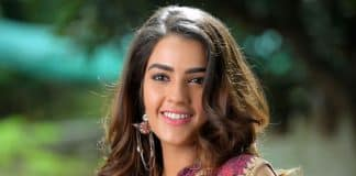 Kavya Thapar to romance with Varun Tej