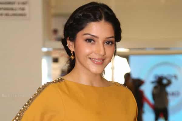 Mehreen in talks for Vijay's bilingual