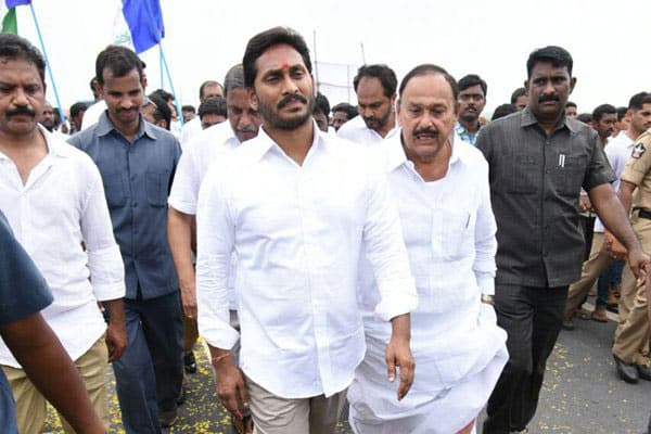 Jagan's Resignations Salvo to irk Chandrababu
