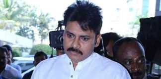 Pawan Kalyan with Cameraman Twitter!