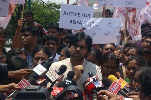 Pawan responds on Sri Reddy issue