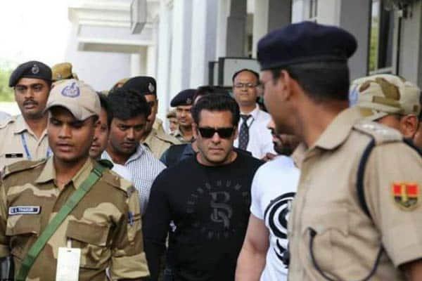 Salman sentenced to 5 years, to spend night in jail for killing blackbucks