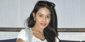 Sri Reddy lambasted Kathi Mahesh on casting couch allegations