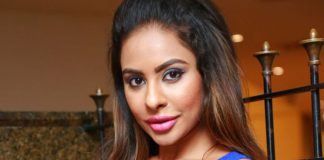 Sri Reddy's facebook sorry for Pawan Kalyan: Fans demand Public Apology