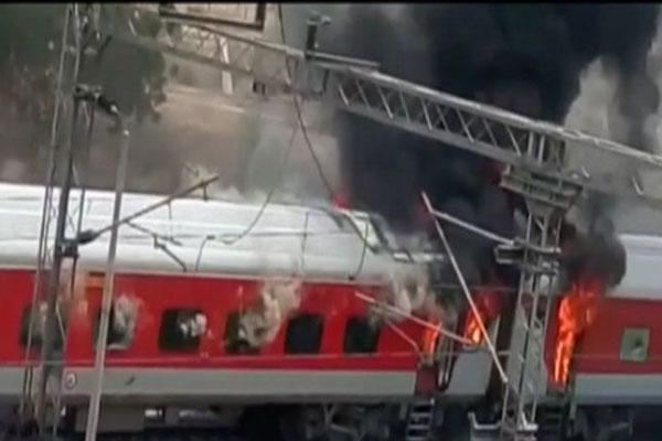 A.P. Express coaches catch fire, none injured