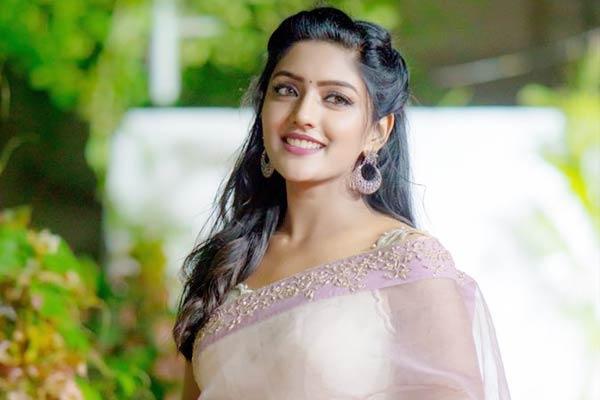 jagapati-babau-actress-eesha-rebba-upsets-jr-ntr-a