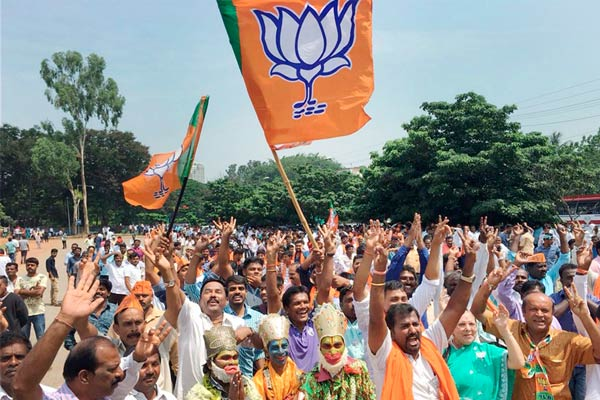 Single largest party in Karnataka will form govt: BJP National VP