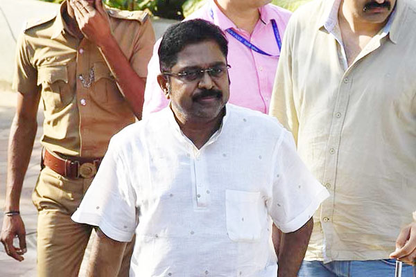 Rebel AIADMK MLA to withdraw challenge petition from High Court