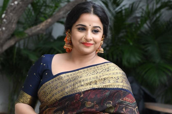 Vidya Balan in talks for Sarkaru Vaari Paata?