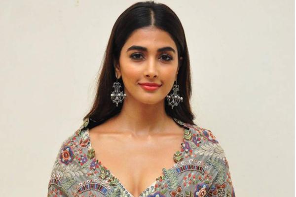 Pooja Hegde to romance Akhil?