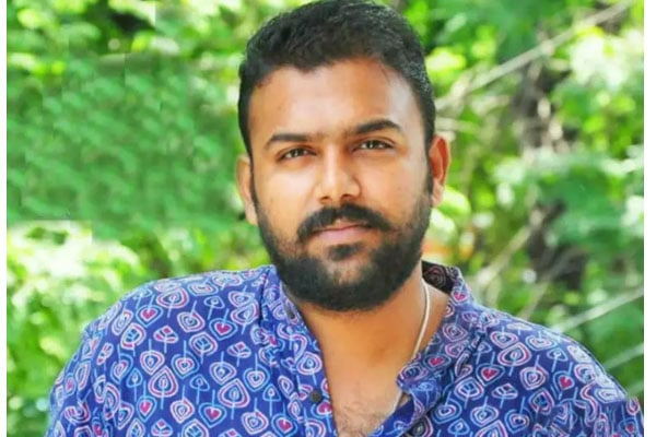 Upset with critics, Tharun Bhascker deletes social media accounts