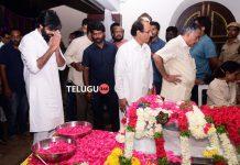 Pawan kalyan pays homage to Nandamuri Harikrishna