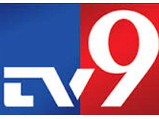 TV9 Srini Raju himself giving leaks to media