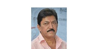 Actor Devaraj hurt in road accident.